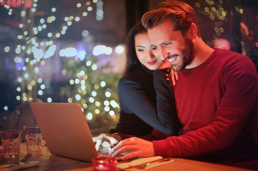 Managing relationship stress during the holiday season